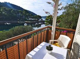 Apartments by the sea Pasadur, Lastovo - 8351, room in Ubli