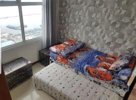 4 Bed Condo Sleeping by The Sea