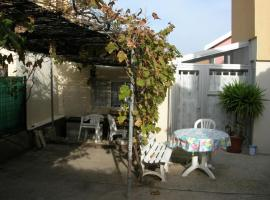 Two-Bedroom Villa With Terrasse, Barbecue And Garden 231