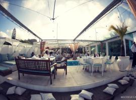 Suite Alto Padrão | Pé na Areia | Ydra Beach Club
