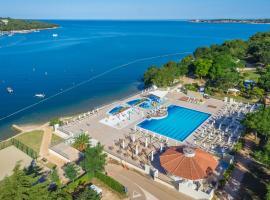 Campsite Lanterna Mobile Homes Mediteran Kamp, hotel in Poreč