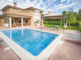 Reus Villa Sleeps 8 Air Con WiFi