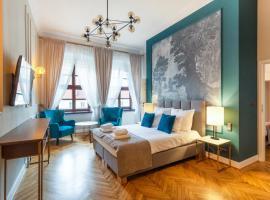 MR 3 Apartments