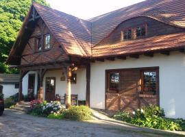 Pokoje Gościnne U Garncarza, self catering accommodation in Polnica