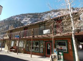 Ouray Riverside Inn & Cabins, pet-friendly hotel in Ouray