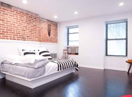 Bed Stuy Brooklyn Loft, budget hotel in Brooklyn