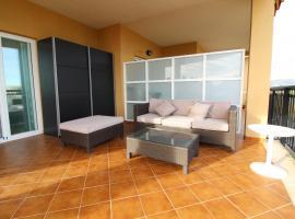 Bonito apartamento con gran terraza en Canet, hotel in Canet de Berenguer