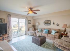 Oak Shores 95 - Two Bedroom Apartment
