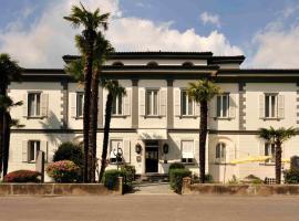 Albergo Gardenia, hotel in Caslano