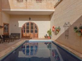 Lavender Dreams Gozo, hotel in Għarb