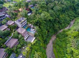 Ubud Paras Villa, hotel with pools in Ubud