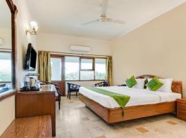 Treebo Trend Saffron, hotel in Chandīgarh