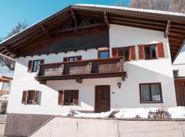 Reise im traditionell-modernen Stil Ferienhaus IBK