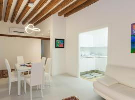 Ca San Luca, self catering accommodation in Venice