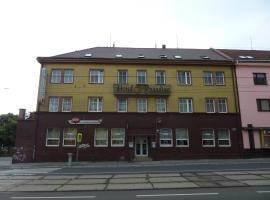 Hotel Paradise, hotel in Ostrava