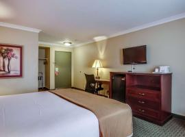 Howard Johnson by Wyndham Reseda Hotel & Suites