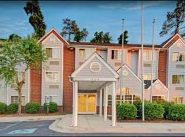 Travelers Inn and Suites Raleigh