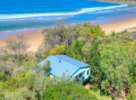 NICK'S PLACE - ON BEACH HOLIDAY HOUSE