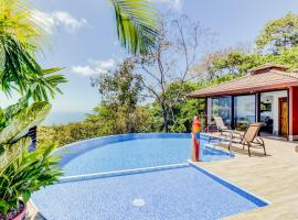 Casa del Perezoso, hotel in Dominical