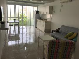 Yitshak Sadeh St. Apartment