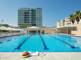 ApartHotel Okeanos on the Beach, serviced apartment in Herzliya