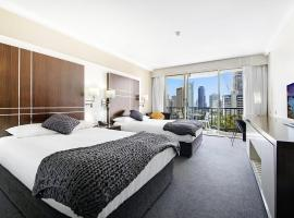Private Apt In the Heart of Surfers Paradise