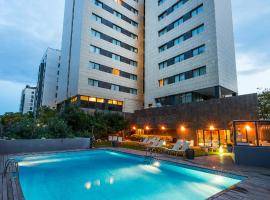 Hotel Valencia Oceanic Managed by Melia Hotels International, hotel with pools in Valencia