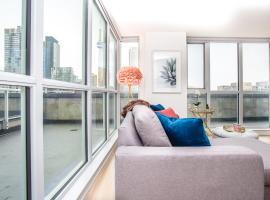 Chic Corner 2 Bedrm CN Tower Suite/Terrace