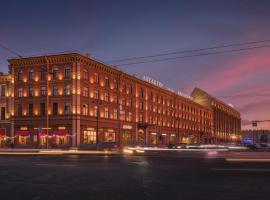 Гостиница Англетер, отель в Санкт-Петербурге, рядом находится Здание Адмиралтейства