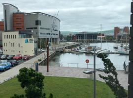 Luxury Waterfront Apartment Belfast City Titanic Quarter