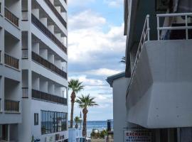 Les Palmiers Apartments