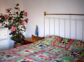 Vintage luxurious house in Sithonia, hotel din Metamorfosi