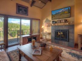 Mountain Luxury Condo Romantic Getaway for Two HP638