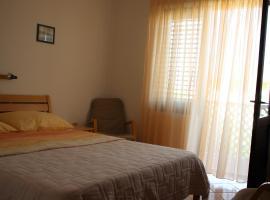 Lola, hotel in Baška