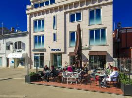 Apartments Riva-Interauto, budget hotel in Umag