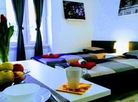 Pula Center Apartments and Rooms, hotel near Pula Green Market, Pula