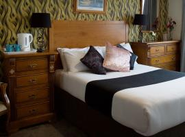 Little Foxes Hotel