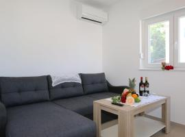 Apartments Maric-Hlapa, room in Soline