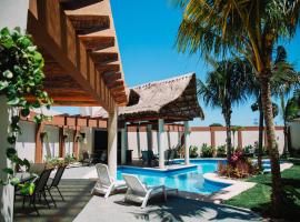 Tres Soles Apartments, family hotel in Cancún