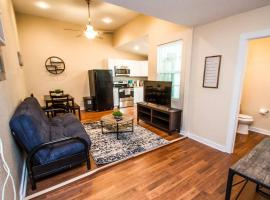 One Bedroom Apartment Near Downtown with Sleeper, apartment in San Antonio
