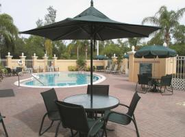 La Quinta by Wyndham Naples Downtown