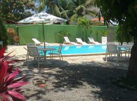 Ampla casa de 3 quartos com piscina, hotel in Porto De Galinhas