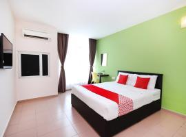 OYO 816 Hotel De Kiara, hotel in Bahau