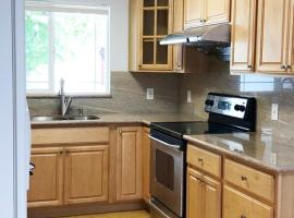 Stylish 5bd3ba in Residential House located in Center of Silicon Valley