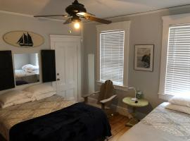 523 Thames Street Apartment 1