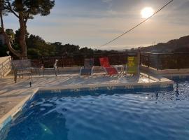 Studio d'environ 20m2, piscine, vue mer, pour 2 personnes