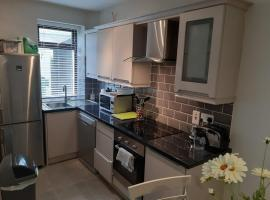 Amazing location 1 minute from golf club, Lahinch