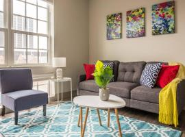 Vibrant Downtown 2br - Balcony + Parking + Gym