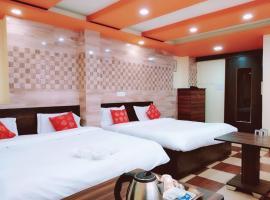 Hotel G Glossy