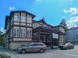 Villa Kadriorg Hostel, albergue en Tallin